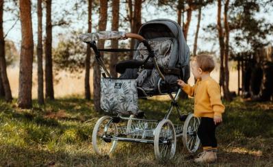 Jesienny spacer z dzieckiem? Poznaj nasze Jesienne must have w opiece nad dzieckiem.